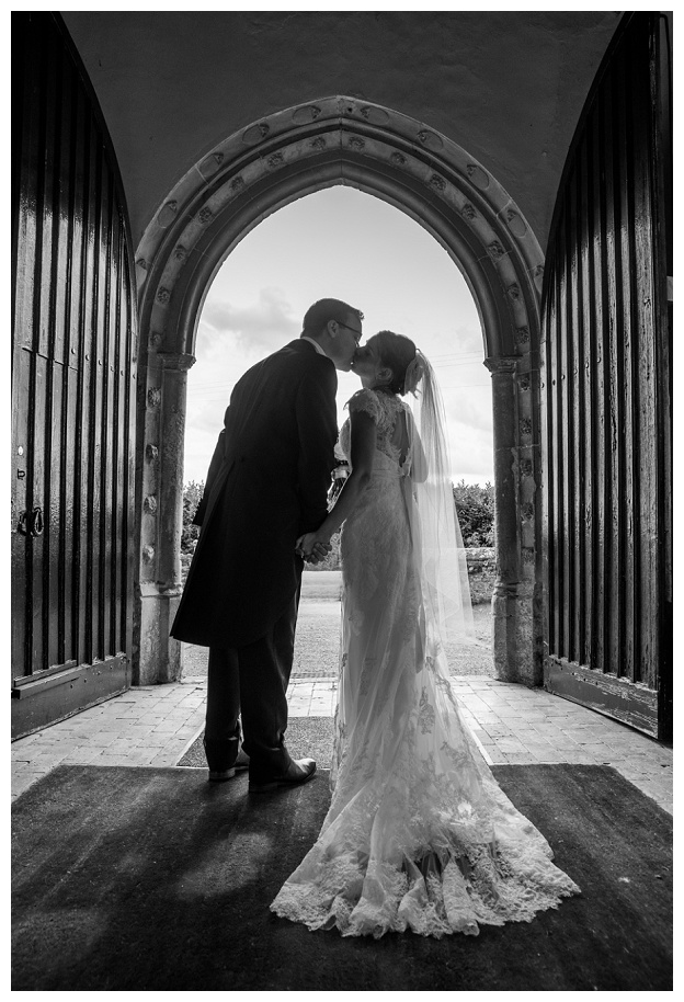 Hengrave_Hall_Wedding_Photography_Hampshire_0054.jpg